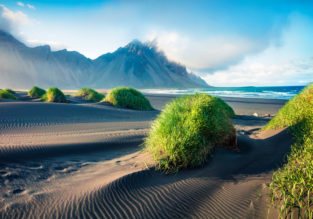 Iceland roadtrip! 10-day camper van rental over Northern Lights season + flights from London for £260!