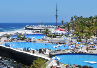 LAST MINUTE: 7-night stay at excellent hotel in Tenerife + flights from Bristol for just £196!