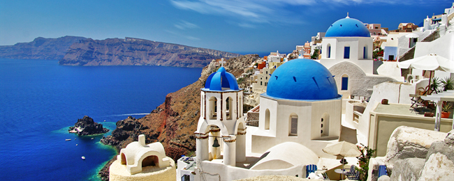 SUMMER: 7- night stay in top-rated aparthotel on fantastic Santorini + flights from the UK from just £210!