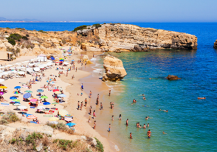 7-night stay in well-rated aparthotel in Algarve + flights from London for only £70!