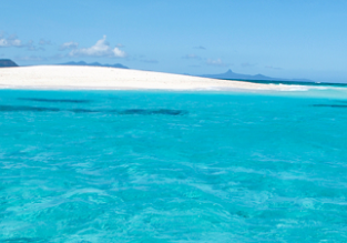 Christmas! Vienna to exotic Comoros for only €476!