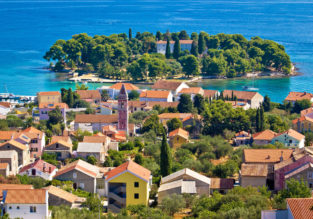 JULY! 7 nights at well-rated apartment in Croatia + cheap flights from Germany for just €139!