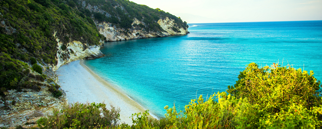 7-night stay in top-rated aparthotel in the Greek island of Zakynthos + flights from Oslo for €155!