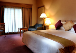 X-mas & New Year! Double room at 5* luxury hotel in Borneo for only €25! (€12/ $14 per person)