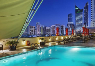 7 or 8 nights at 5* luxury hotel in the UAE + flights from the UK (many options) from only £351!