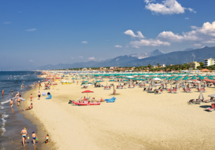 1-week stay in well-rated hotel on Tuscany's coast + flights from the UK for only £173!