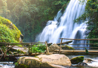5-night stay in top-rated 4* resort in Chiang Mai + flights from Bangkok for $121!