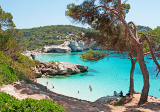 5-night stay in well-rated aparthotel on Menorca + flights from London for just £112!