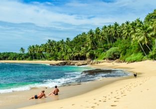 Half Board 7-night stay at top rated beach hotel in Sri Lanka + 5* Qatar Airways flights from Amsterdam for just €560!