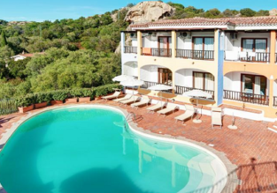 Double room at top rated 4* hotel in Sardinia for only €33! (€16/ $18 per person incl. breakfast)!