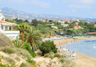 7-night Cyprus holiday! 4* aparthotel & flights from Bucharest for €140!