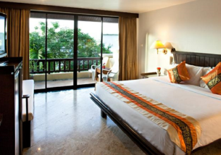 Double room at top rated resort & spa in Phuket for only €19! (€10/ $11 per person)