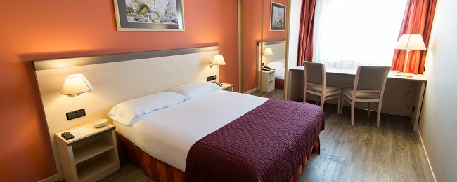 Double room at top rated 4* hotel in Barcelona for only €36! (€18/ $21 per person)
