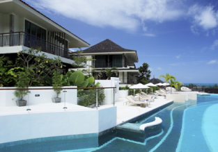 B&B stay at superb 5* luxury beach resort & spa in Phuket for only €34/ $40 per person!