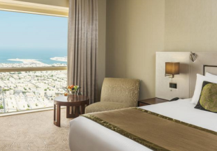 Double room at luxurious 5* Millennium Plaza Dubai for only €59! (€30/ $35 per person)