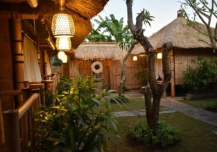 Top-rated bamboo houses with breakfasts on Bali for only €5.5/night per person!