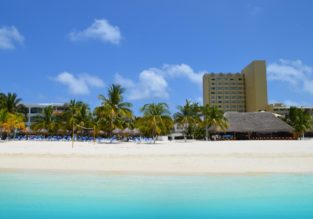 Package holiday! 7-nights in top rated beach hotel in Cancun + flights from Amsterdam for €513!