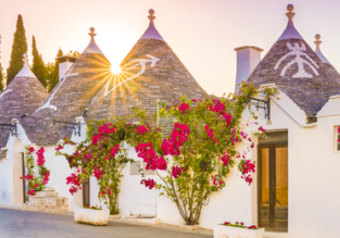 4-night stay in a well-reviewed hotel in Alberobello, South Italy + breakfast + flights from London for just £97.50!