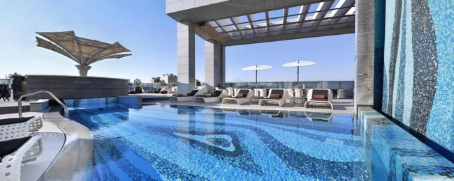 Double room at luxurious 5* Doubletree by Hilton in Doha for only €47! (€23.5/ $27 per person)