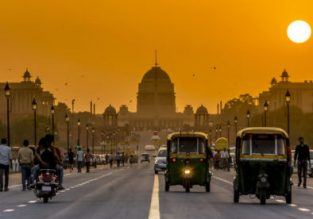 Cheap full-service fights between Mumbai and New Delhi from only $58!