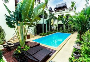 Deluxe double room with breakfast at 4* hotel in Phuket for only €23/night! (€11.5/£10 pp)