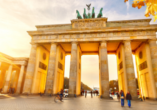 Cheap non-stop flights from Singapore to Athens or Berlin from only $322!