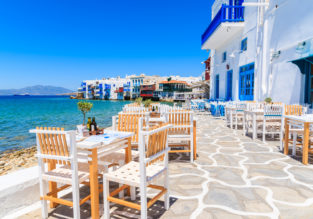 4* beachfront hotel in Mykonos with breakfast included from just £14!