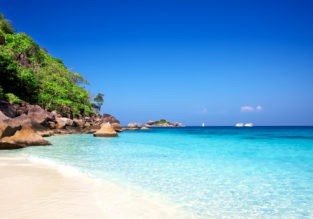 Thailand beach holiday! 13 nights in top-rated 4* resort in Phuket + high season flights from London for £452!