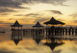 6-night stay in top-rated 4* hotel in East Java + high-season flights from Hong Kong for $240!