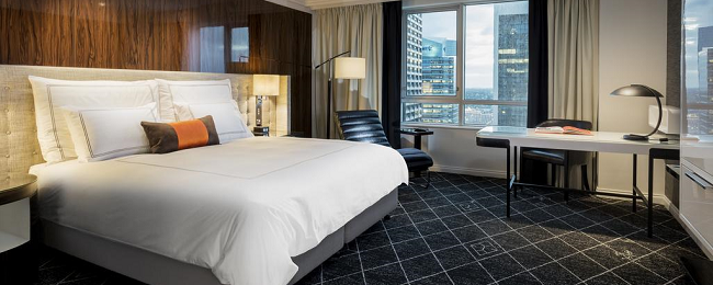 HOT! Double room at luxurious 5* Swissôtel Sydney for only €32! (€16/ $19 per person)