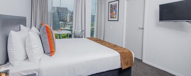 HOT! Top rated Ramada Suites Auckland for only €9/ $11 per person!