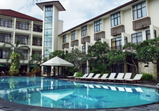 PEAK SEASON! B&B stay in Superior room at 4* Best Western resort in Bali for only €22! (€11/ $12 per person)