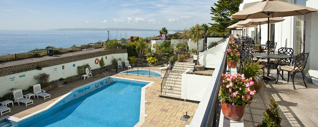Double Room At Very Well Rated Beachfront 4 Hotel In Bournemouth England For 35