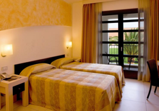 HOT! B&B stay at top rated 4* Gallipoli Resort in Italy for only €5.5/ £5 per person!