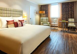 Luxurious 5* Windsor Plaza Ho Chi Minh City for only €52! (€26/ $32 per person!)