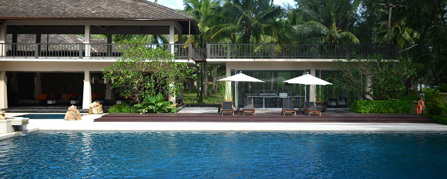 Seaview room at well rated 5* beach hotel in Khao Lak, Thailand for only €41! (€20.5/$25 per person)