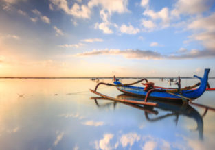 Valentine's! 7-night stay in top-rated 4* hotel in Bali + flights from Singapore for $112!