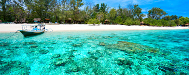 PEAK SEASON! B&B stay in 4* beach resort in Lombok island, Indonesia for only €31! (€15.50/£13 pp)