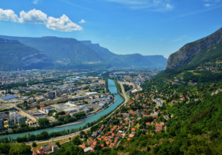 City break in lovely Grenoble, French Alps! 4 nights in central hotel + cheap flights from London for just £129!