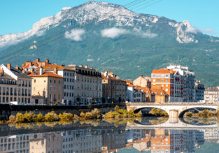 City break in lovely Grenoble, French Alps! 5 nights in central hotel + cheap flights from London for £151!