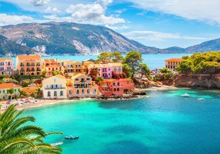 Early Summer! 7-night stay in top-rated & beachfront aparthotel in Kefalonia + flights from Italy for €130!