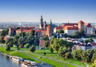Summer break in Krakow! 3-night stay (over weekend) at top rated 4* aparthotel + flights from Berlin for €89!