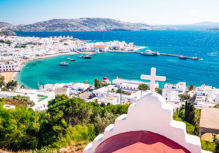 Spring in Mykonos! 7 nights in top-rated hotel + flights from London for just £176!