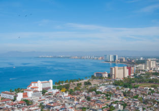 Last minute! 14-night stay at well-rated hotel in Puerto Vallarta + non-stop flights from UK for £453!