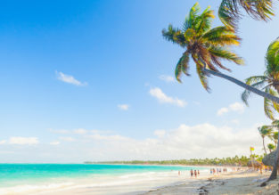 HIGH SEASON! 7-night stay at well-rated & beachfront aparthotel in Dominican Republic + direct flights from New York from just $444!