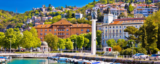 Spring weekend in Croatia! 3 nights at sea view apartment + cheap flights from Frankfurt for just €56!