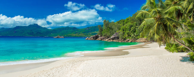 Cheap flights from numerous EU cities to the Seychelles from only €390!