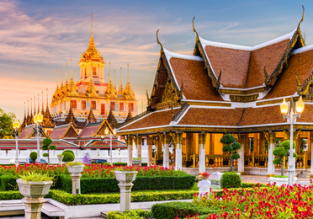 Cheap flights from many UK cities to Bangkok or Singapore from only £319!