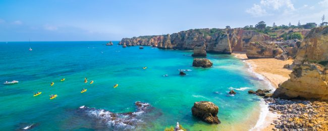 Spring escape to sunny Algarve! 7 nights in well-rated apartment + flights from UK for just £99!