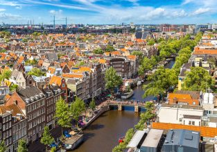 Cheap flights from Hong Kong to Rome or Amsterdam from only $383!